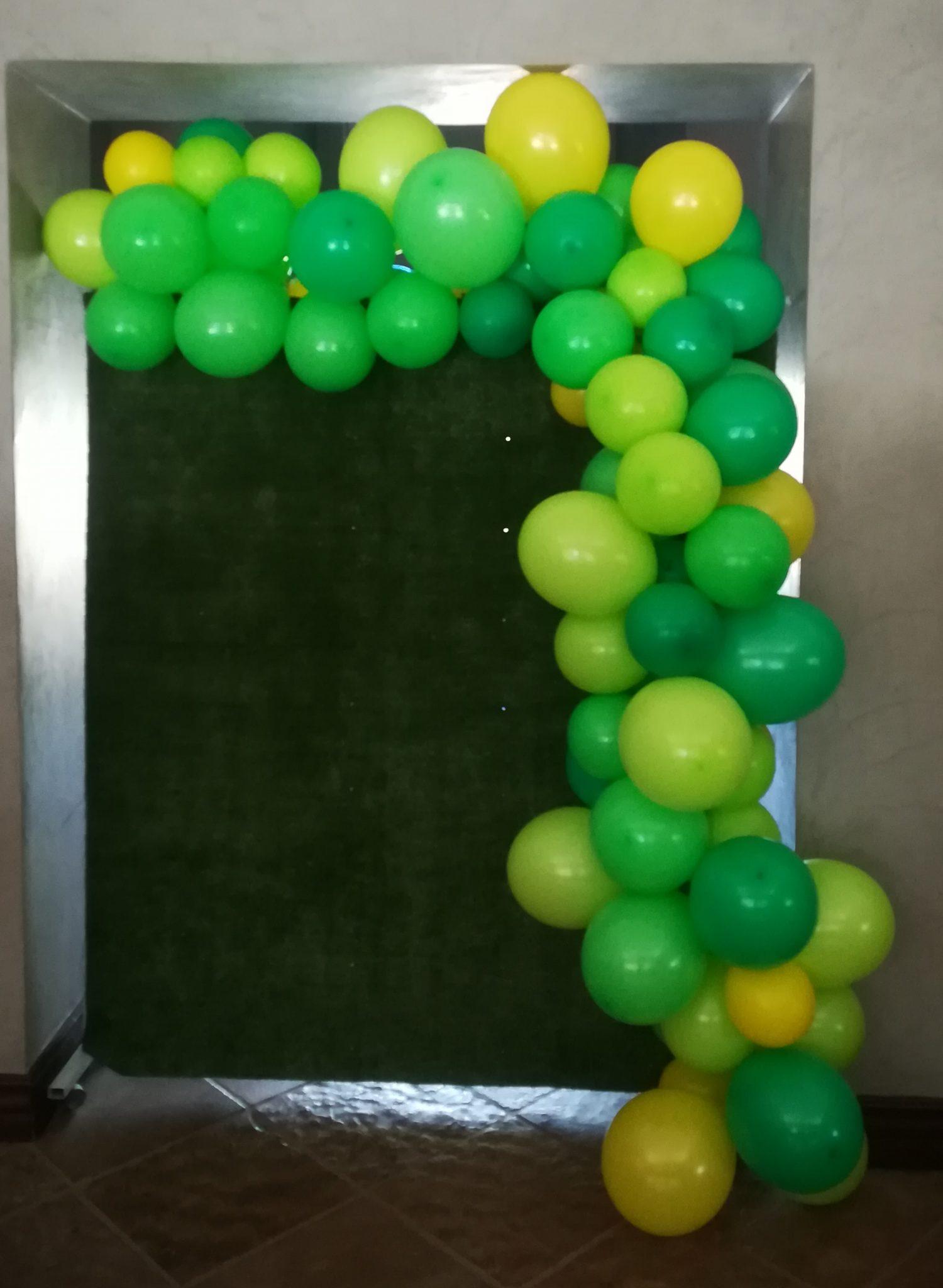 Grass Backdrop - Balloon Garland